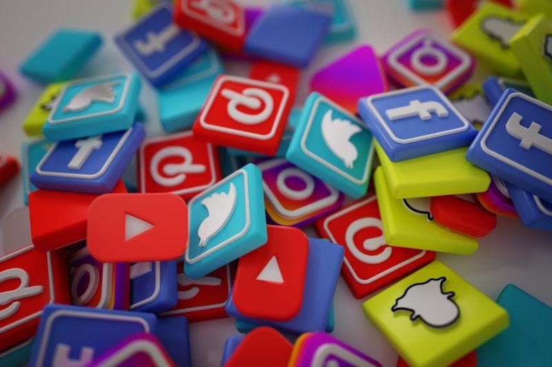 sosyal medya fenomen